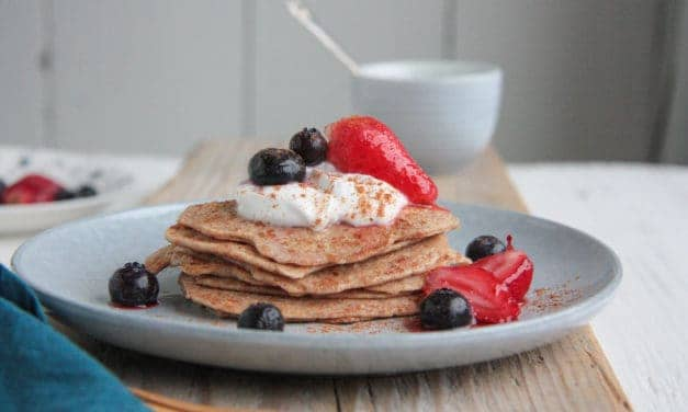 Haver pancakes met kokosyoghurt