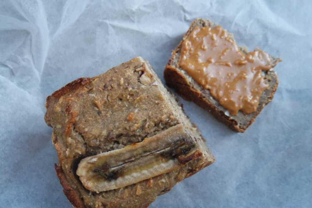 Banaan-dadel cake