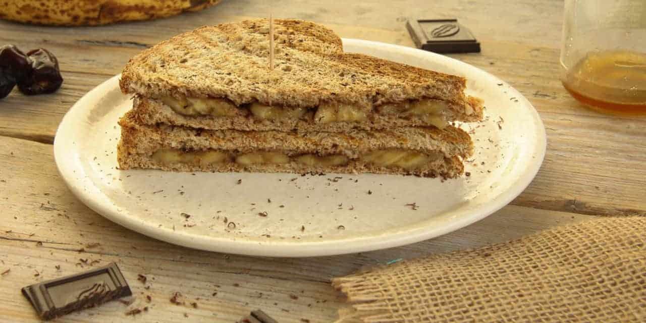 Zoete tosti met banaan en chocola