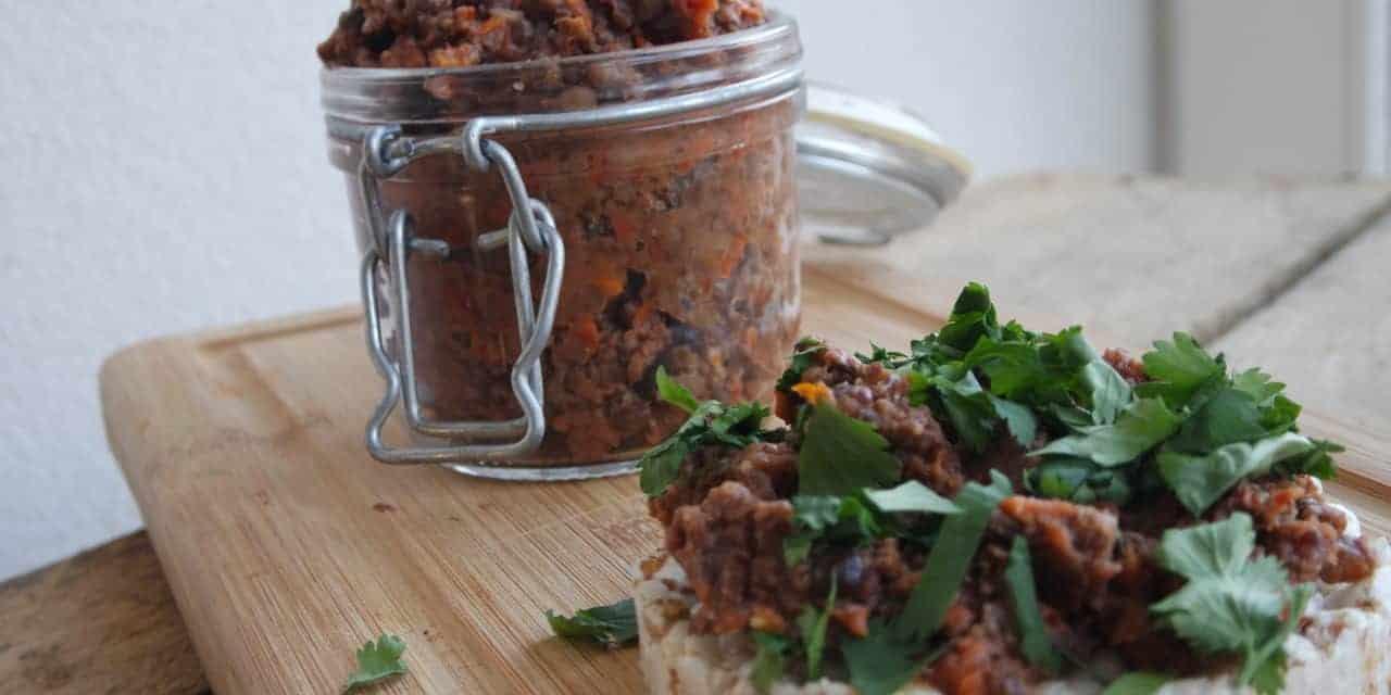 Spread met zongedroogde tomaat