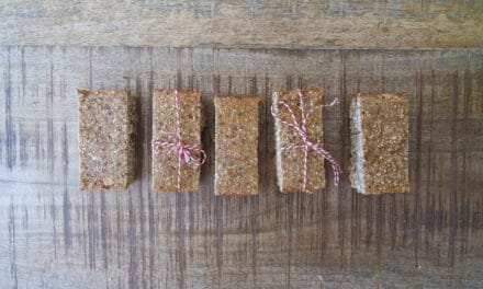 Homemade muesli-protein bars