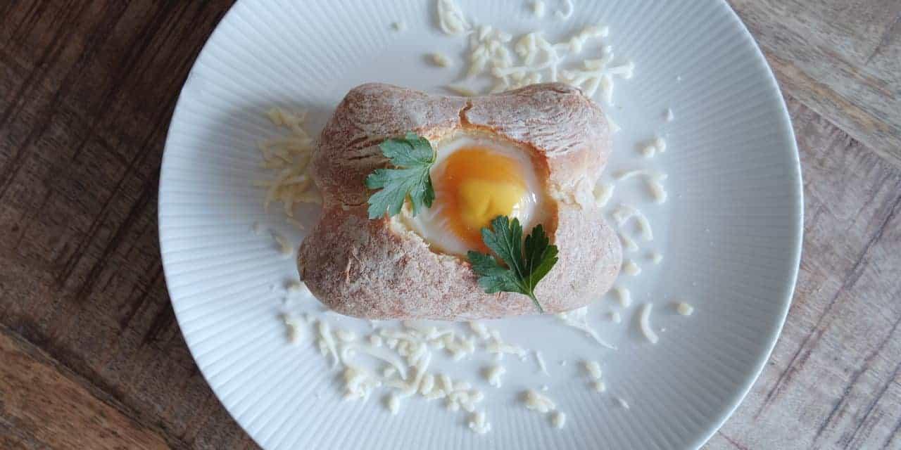 Broodje ei uit de oven, een feestje bij het ontbijt!