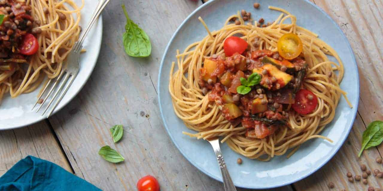Supersnelle vegetarische spaghetti met linzen