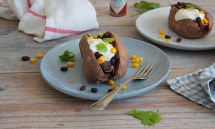 Gevulde zoete aardappel met een Mexicaanse twist