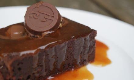 Chocoladecake met caramel en zeezout