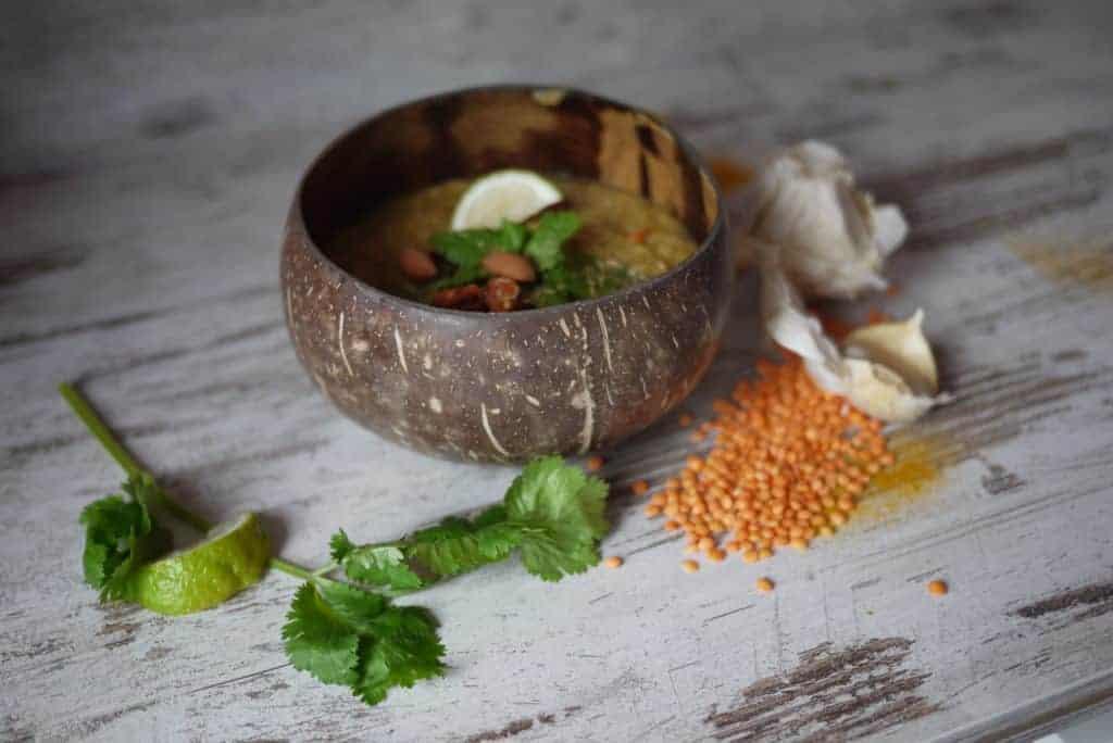 Dhal Tadka soep met rode linzen