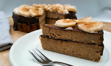 Voedzame chocoladetaart met banaan en kikkererwten