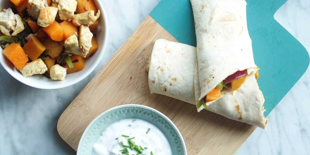 Curry wraps met kip en frisse dip