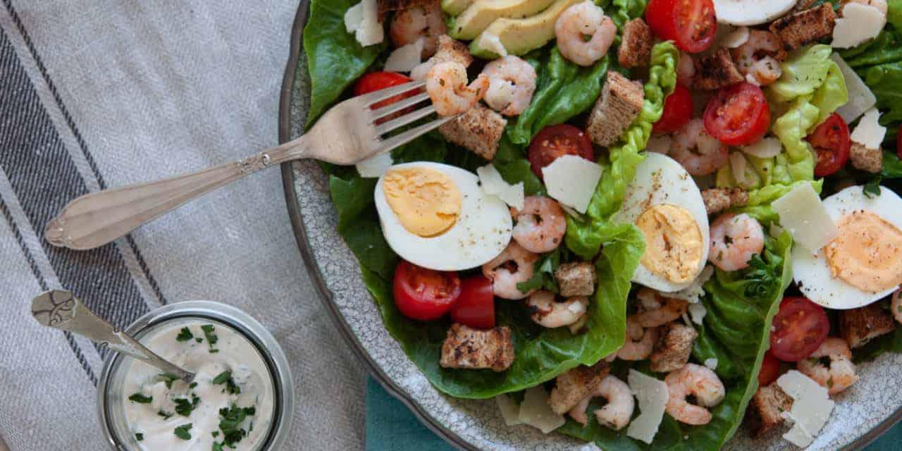 Skinny Caesar salad met garnalen