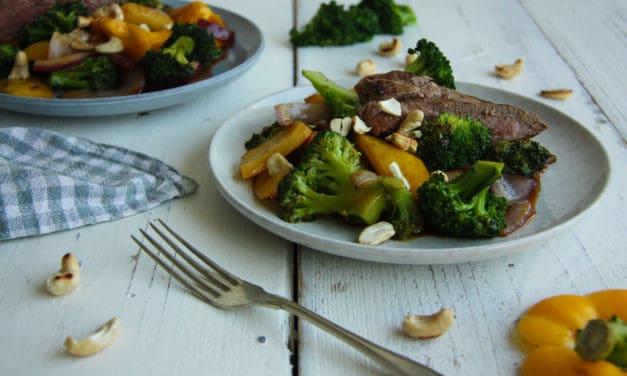 Simpele wokschotel met biefstuk en cashewnoten