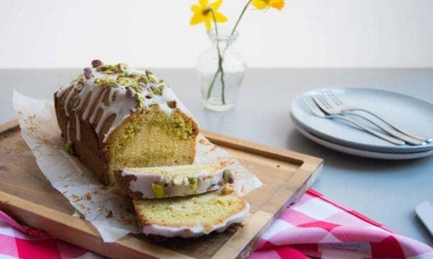 Een feestelijk Pasen met deze pistache-citroencake