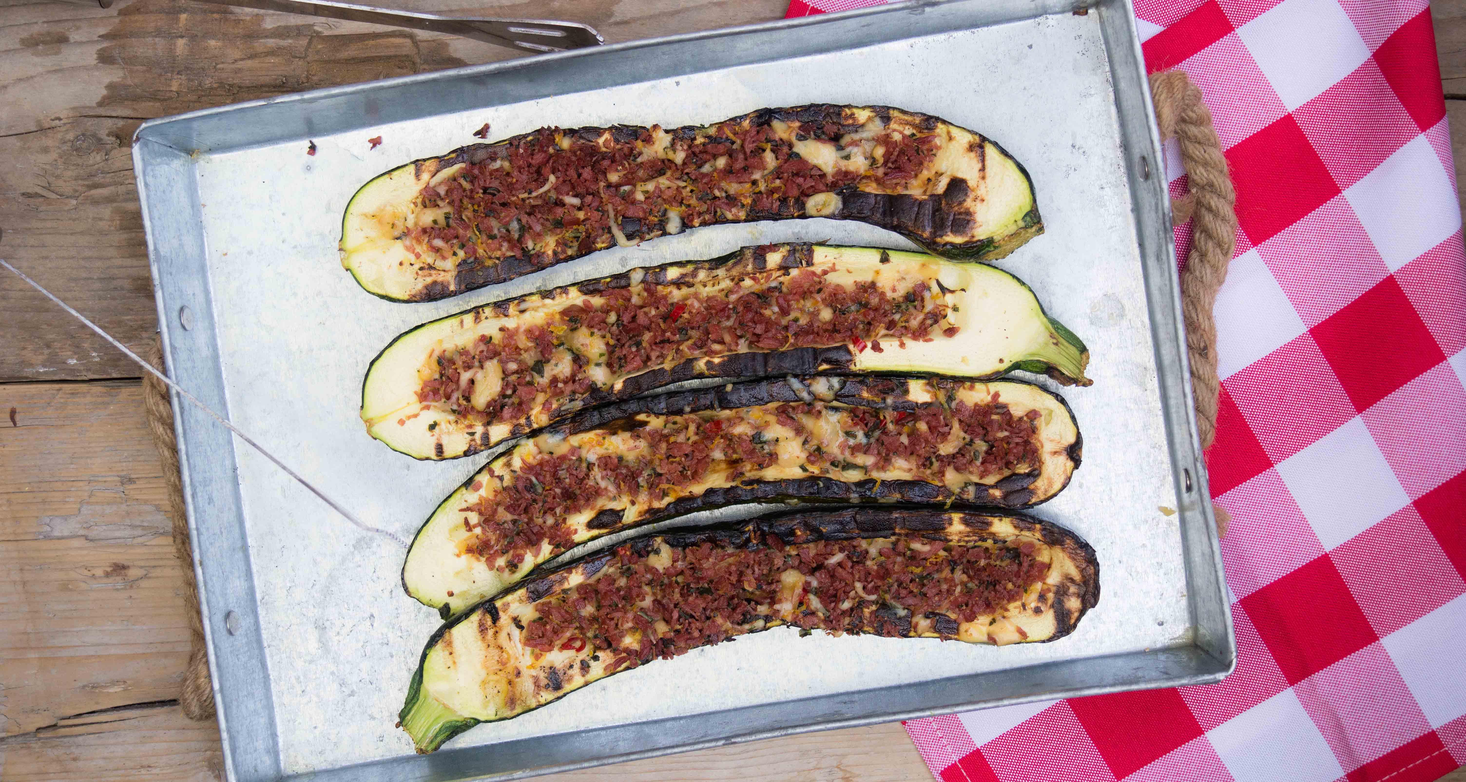courgettes met bacon gremolata, bbq, Julius Jaspers, groente