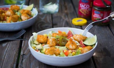 Zomerse salade met krokante kip