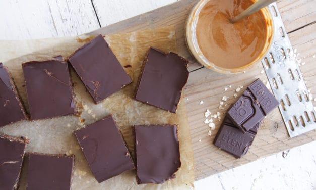 Chocolade-havermoutrepen met pindakaas