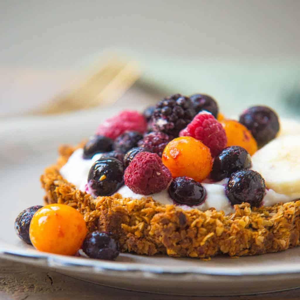 homemade granola taartje, granola taartje, feestelijk ontbijt