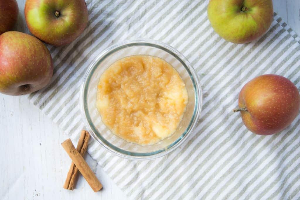 zelfgemaakte appelmoes, appelmoes, goudreinetten
