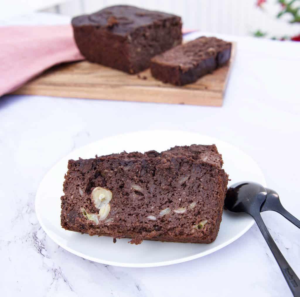 chocolade bananenbrood, bananenbrood, chocola, hazelnoten