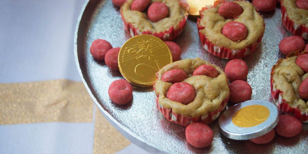 bananenmuffins met red velvet pepernoten, red velvet, muffins, pepernoten