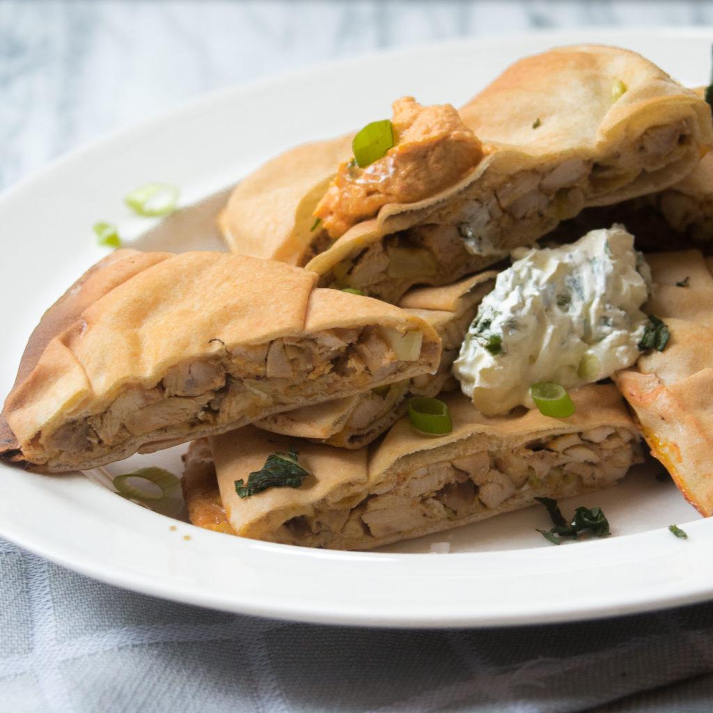 platbrood, gevuld platbrood met kip