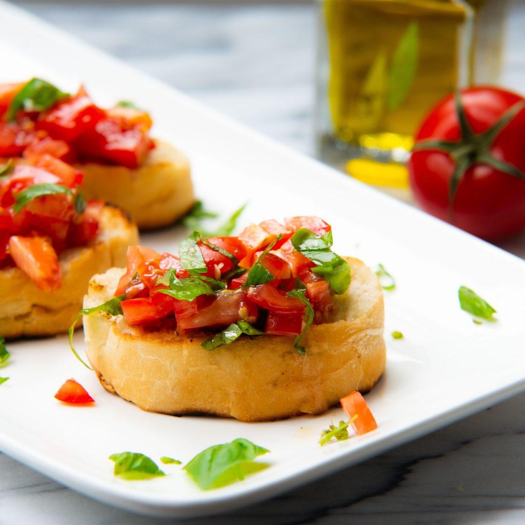 bruschetta, olijfolie, tomaat
